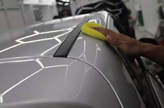 如何正确保养车行记车的漆面
