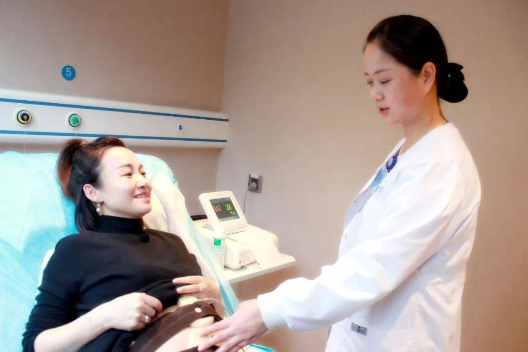 胎儿在肚子里缺氧的三大症状,前两个容易被忽略,孕妈更应当留意
