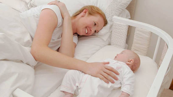 """产后避免这两大睡姿,否则产妇恶露难排净,子宫也可能""""移位"""""""