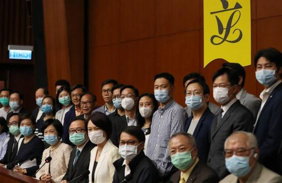香港特区立法会主席和41位议员支持建立健全香港特区维护国家安全的法律制度和执行机制