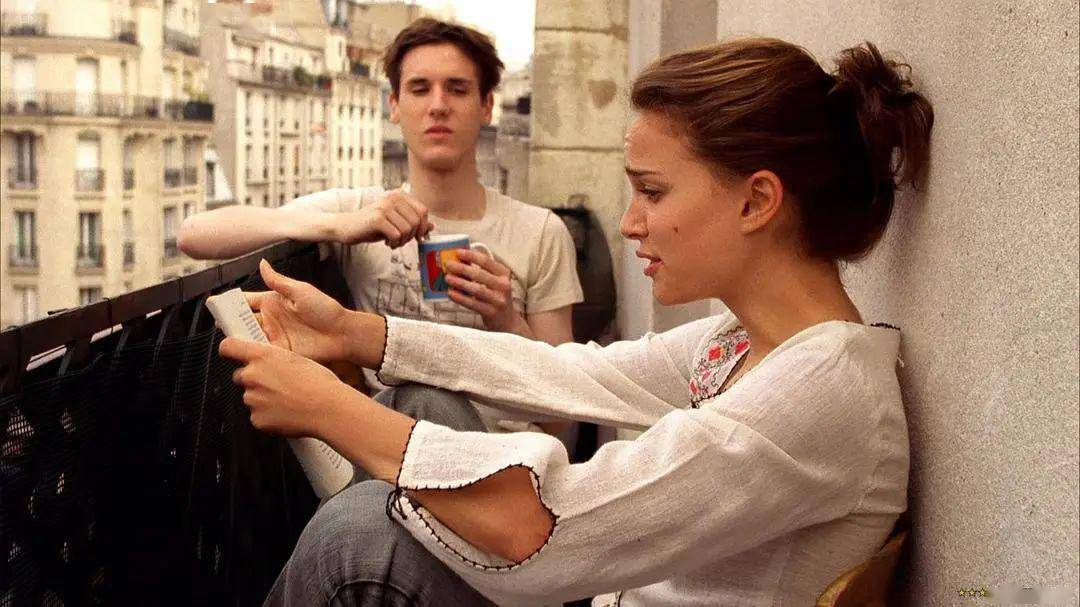 '' 男人常碰你这三个地方 说明他是真的爱你 ''