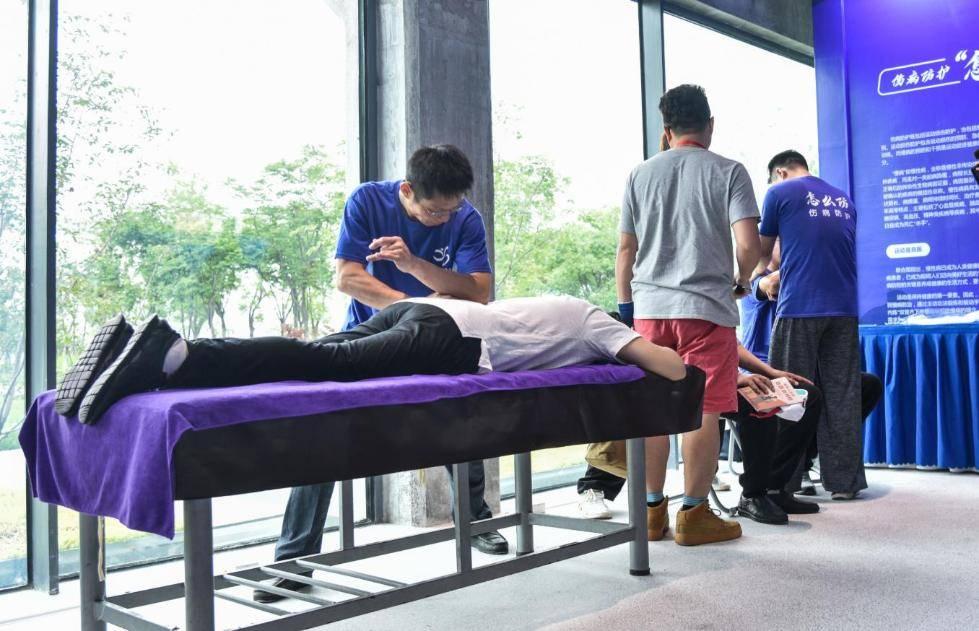 运动健康应该怎么练怎么吃?上海首推社区健康师探索健康管理新模式