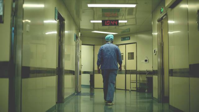 福建男子就诊用药后感染肺结核,被鉴定为四级医疗事故