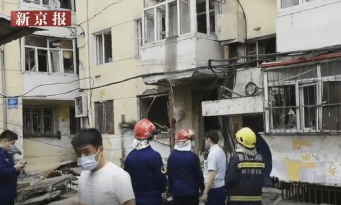 哈尔滨一餐馆爆炸多人被玻璃划伤,当地应急管理局正调查