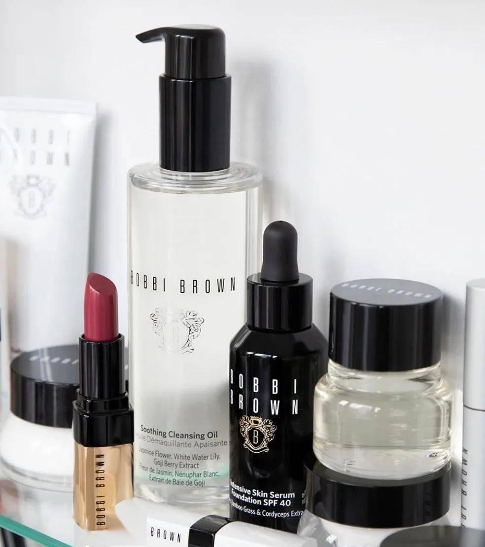 想要按下岁月的暂停键,卸妆比护肤更重要