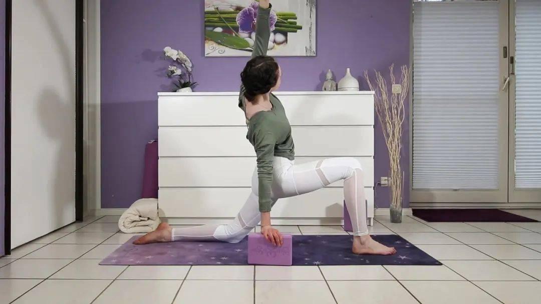 """""""筋长一寸寿延十年"""",10个拉伸瑜伽体式在家练,超舒服!_身体 高级健身 第10张"""
