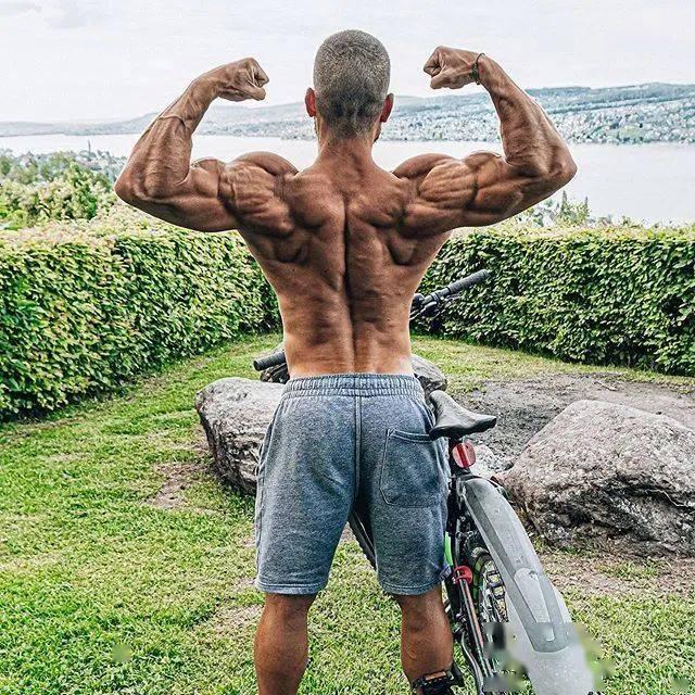 健身12年从未用过任何补剂,一样练出逆天惊人身材! 高级健身 第23张