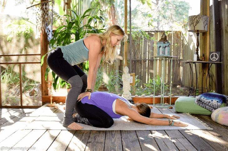 常练这8个瑜伽体式,灵活脊柱,让身体年轻10岁! 初级健身 第10张