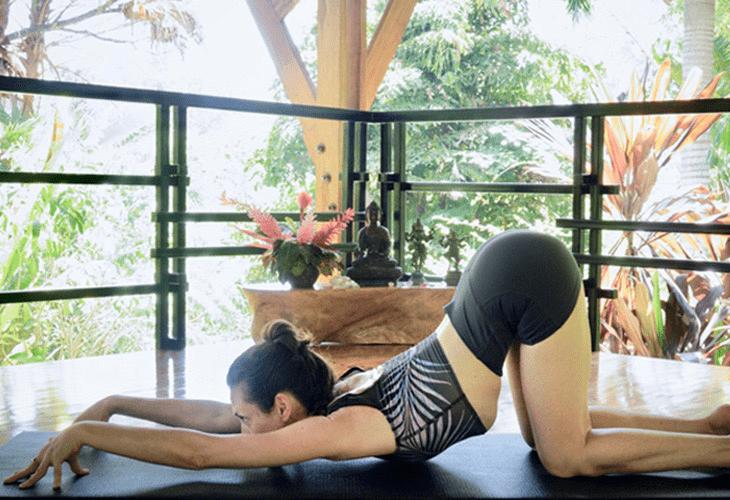 常练这8个瑜伽体式,灵活脊柱,让身体年轻10岁! 初级健身 第9张