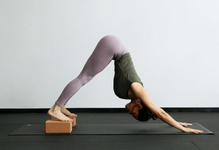 练瑜伽,没感觉?12个常见瑜伽体式,这样练超级有感觉! 减肥窍门 第5张