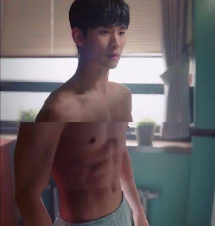金秀贤新剧秀八块腹肌,这体脂率真好看! 动作教学 第2张