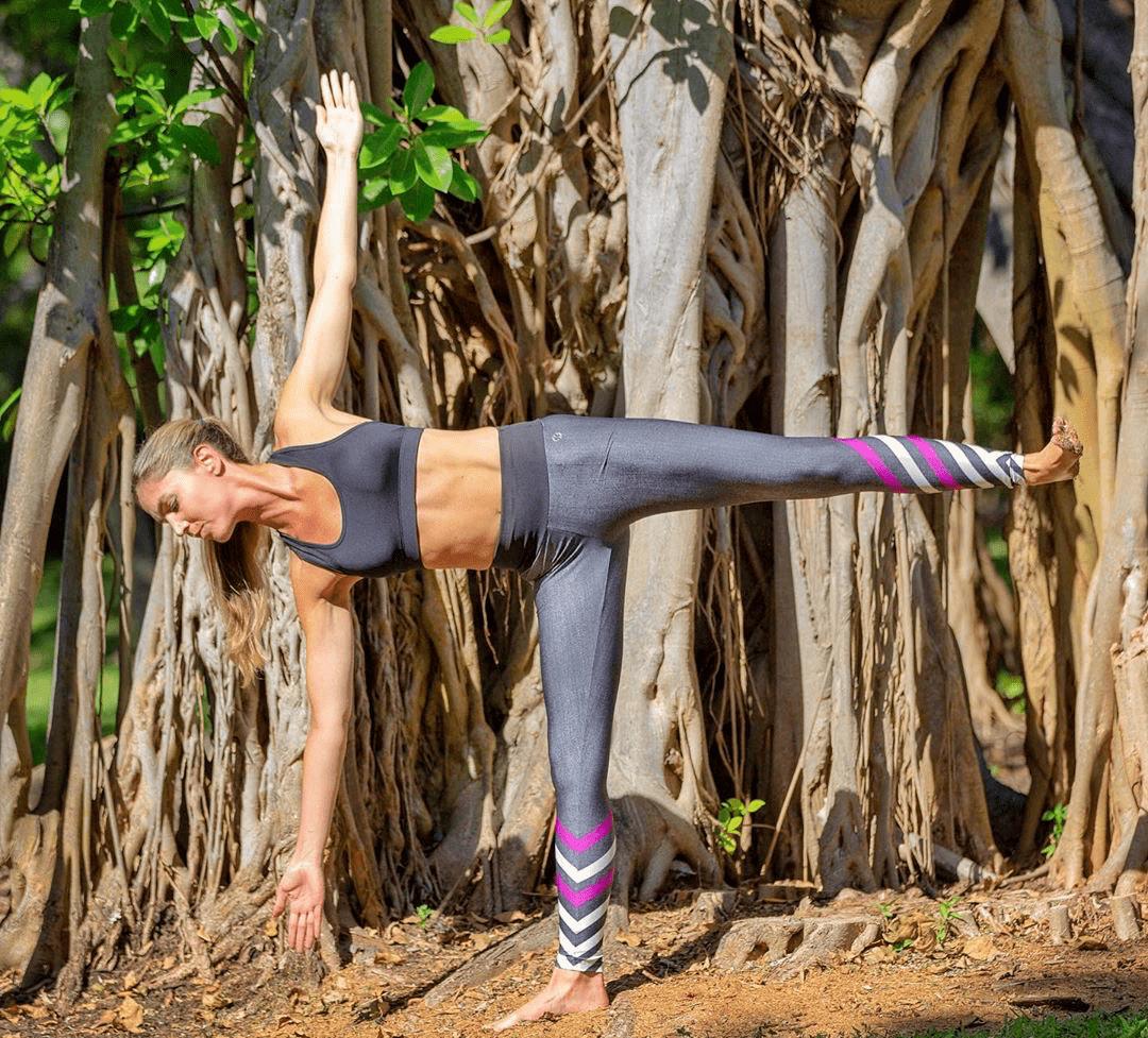 站立单腿站立平衡体式,这8个体式你能完成几个? 初级健身 第8张