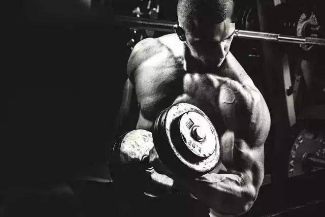 如何选择健身训练中的阻抗重量?