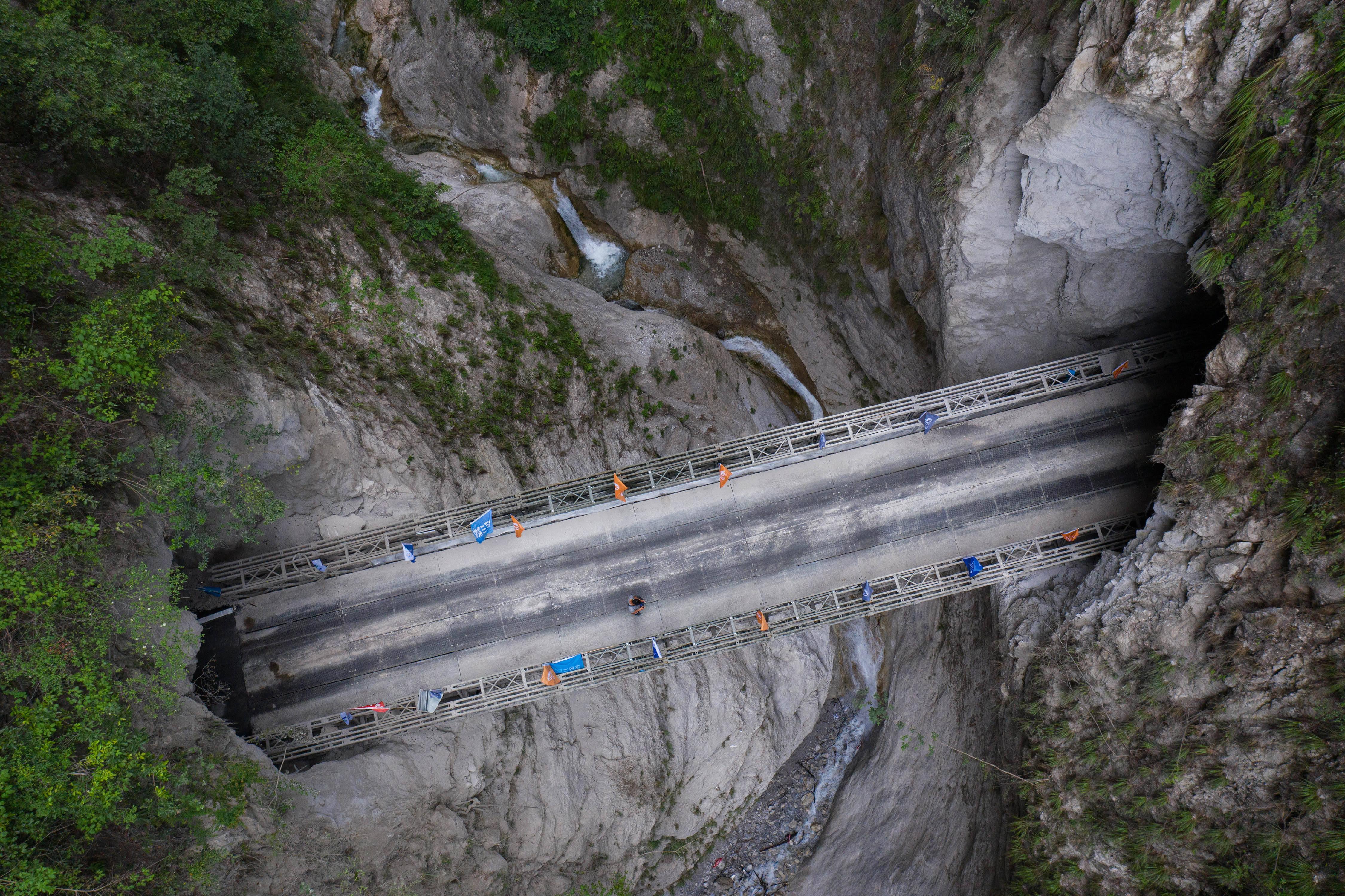 阿布洛哈|我国最后一个具备条件通硬化路的建制村阿布洛哈村通车了