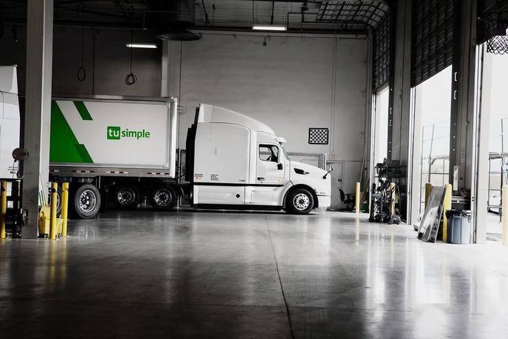 图森未来启动全球首个无人驾驶货运网络,分三个阶段实现2024年商业化