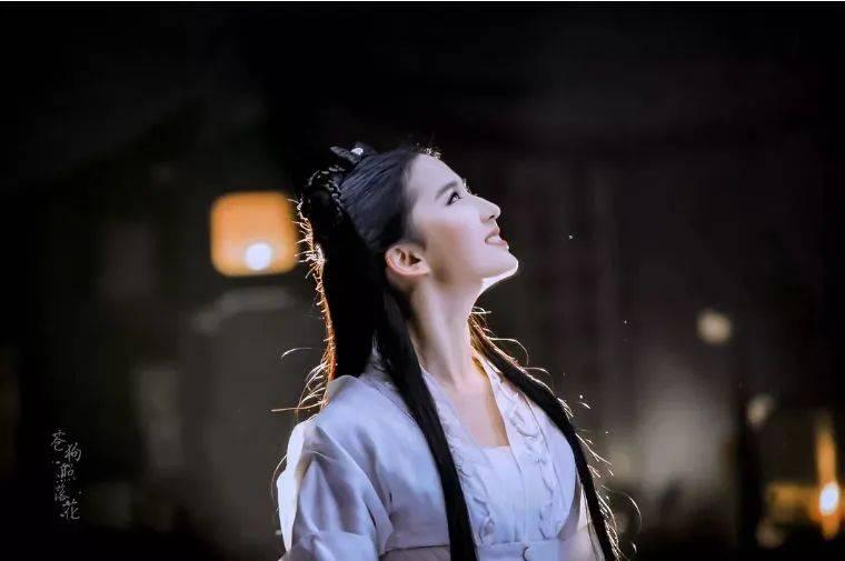 """不化妆照样被吹天仙刘亦菲的""""野蛮""""保养经大写的服!"""