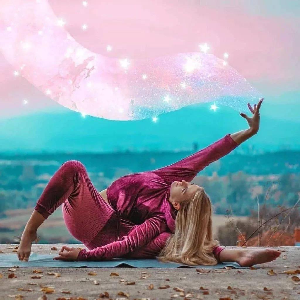 让瑜伽体式练习,变成动态的冥想……