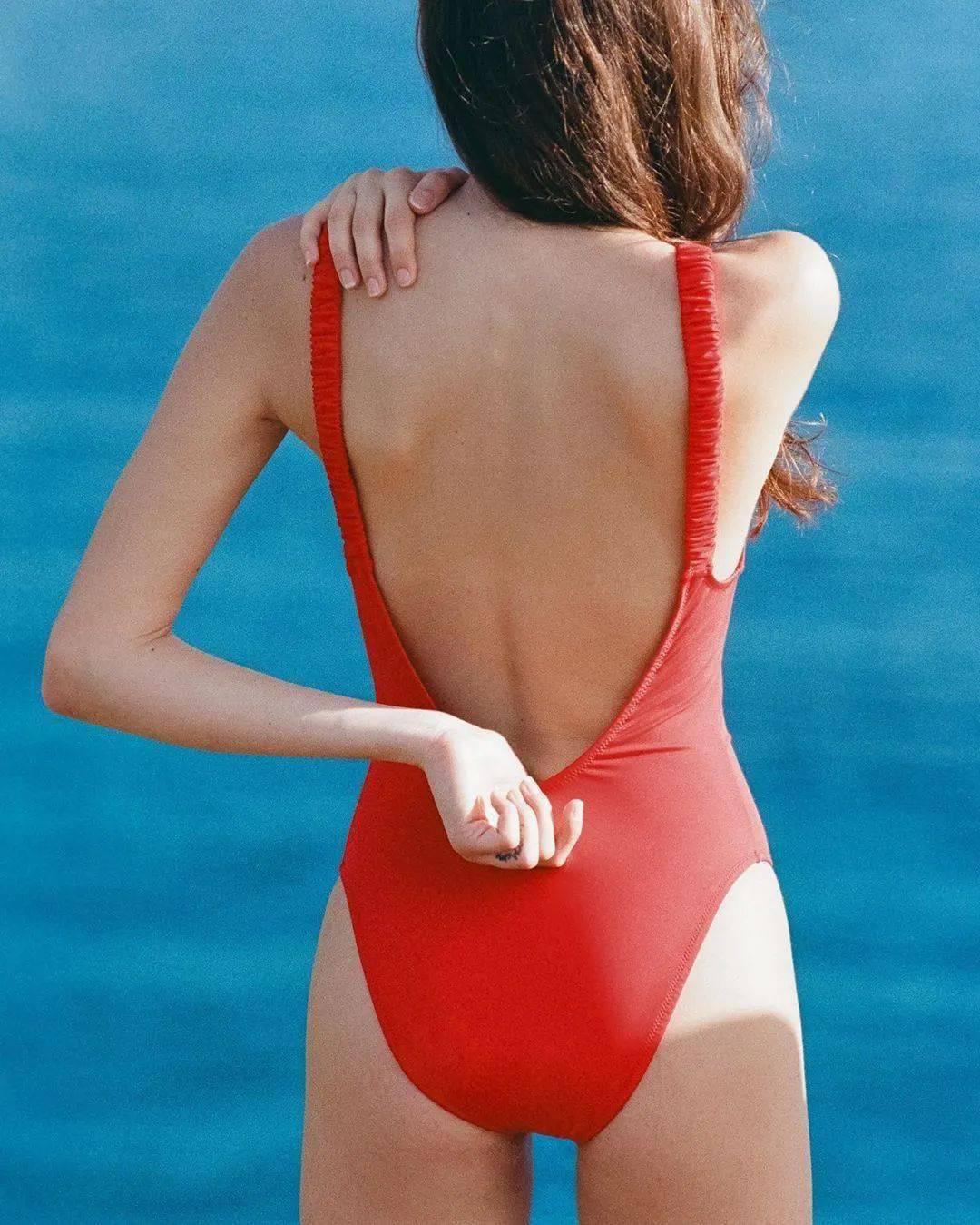 夏日辣妹穿搭——谁说买泳衣就一定要会游泳了!
