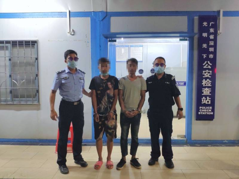 两男子遇上查车神色慌张,深圳民警现场进行尿检果然发现问题