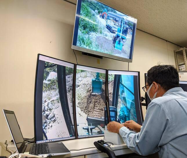 东大学生的创业公司,实现了远程操纵挖掘机