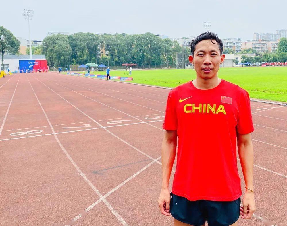 杨磊400米跑46