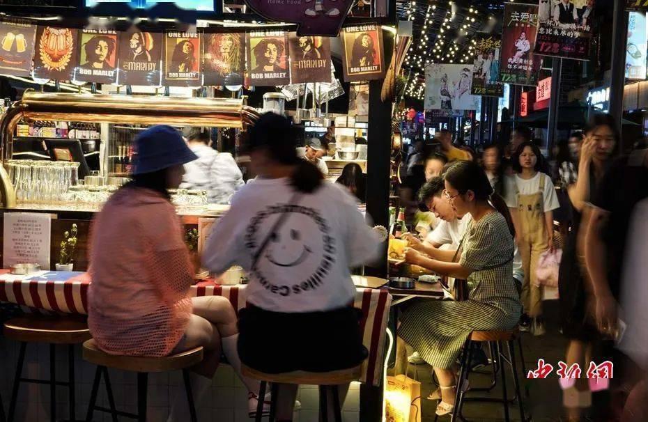 """欧洲杯下注: 【行摄云南】昆明""""深夜食堂""""集市来了(图1)"""