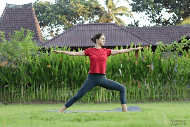 这套瑜伽序列,适合40岁以上女性每天练习!