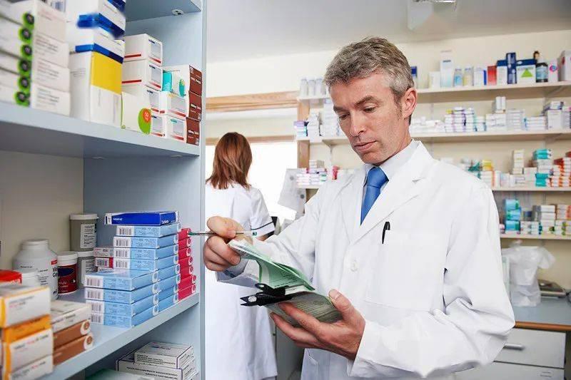 """医生要我去外面药店买药,难不成他们有""""提成""""?"""