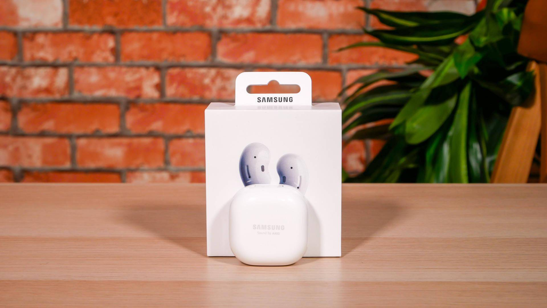 Galaxy Buds Live 外媒体验:佩戴舒适,降噪划水