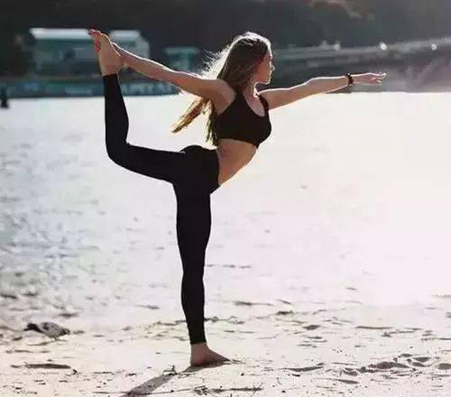 6个灵活脊柱的动作每天做,让你的脊柱永葆18岁!