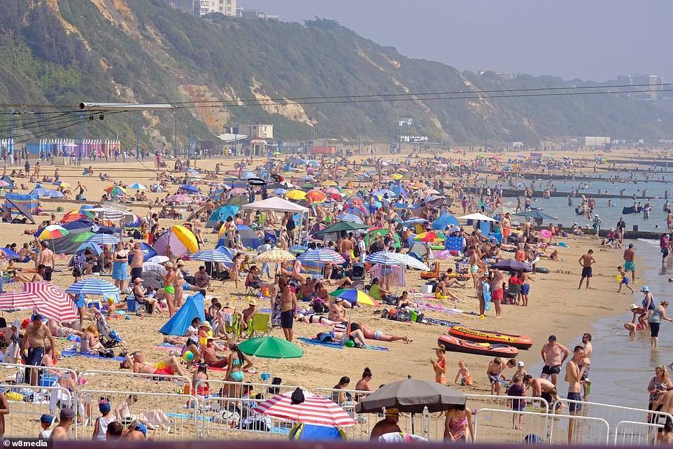 英国遭遇有记录以来最严重的热浪和雷暴天气袭击_英国新闻_英国华人网