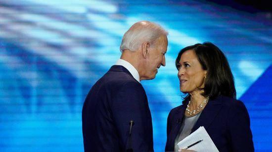 拜登选择黑人女性哈里斯作竞选伙伴 两人下周将获正式提名