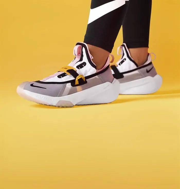 勒布朗送少年「特殊球鞋」,设计师道出真相,让人超感动!插图(23)