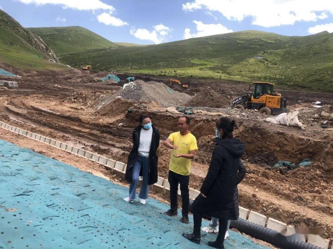 泽库县生态综合行政执法大队对矿山生态形势管理进行专项监测检查