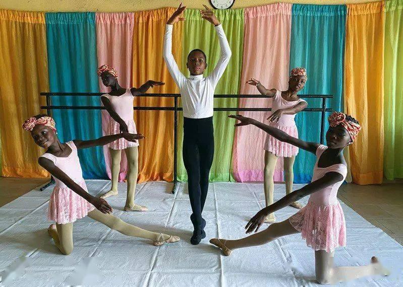 11岁非洲男孩雨中芭蕾走红, 跳进纽约芭蕾舞剧院