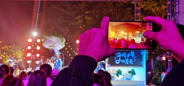 顾亚|一场山村小学的音乐会,有140万人次的在线观看!究竟有何魅力?