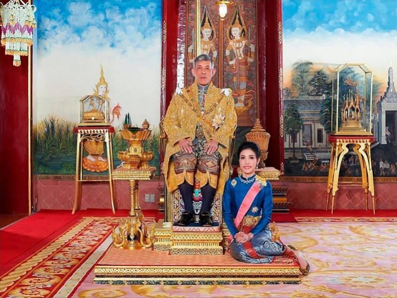 """赢咖3平台首页 泰国王恢复废妃诗妮娜王室头衔!去年被扣""""不忠、争权""""罪名(图2)"""