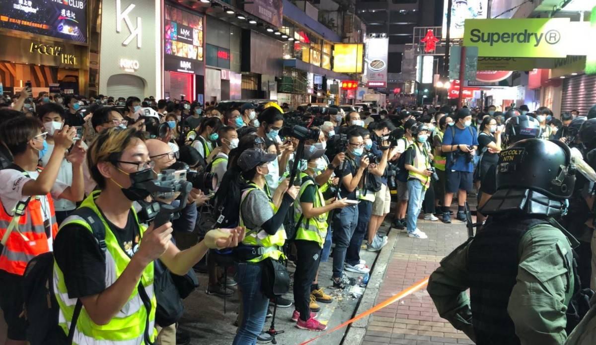 香港警方至少拘捕289人,其中270人涉嫌非法集结