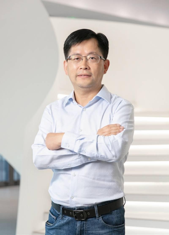 雷军又挖了一名高管,碧桂园原副总裁彭志斌跳槽小米,管人力