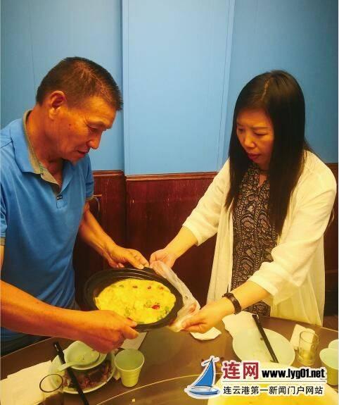 """打包剩饭已经成为连云港市民外出就餐的新""""常"""