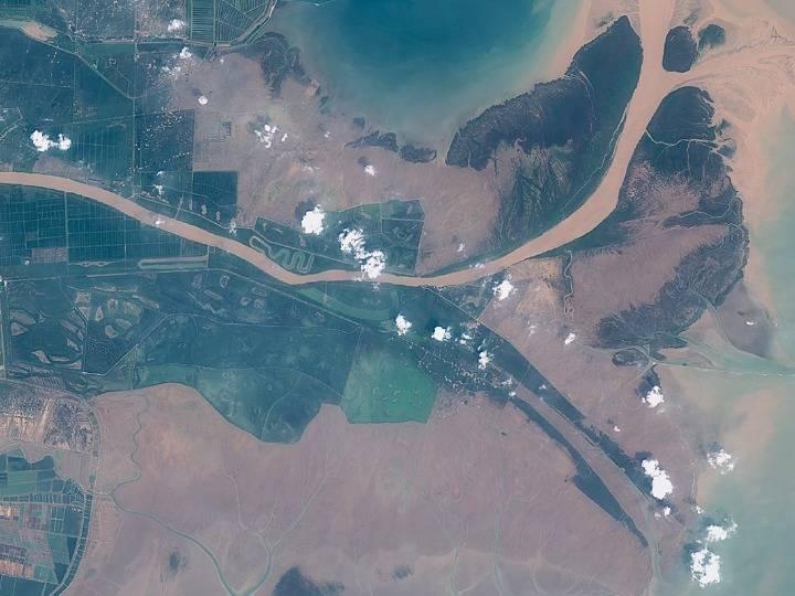 从太空看黄河:她那么美