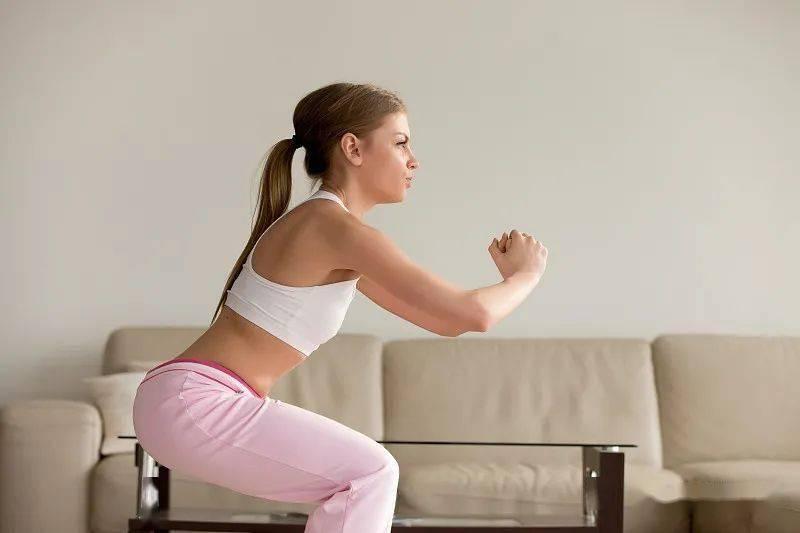 健身小白适合练什么动作呢?还不来看一看,学习起来_身体