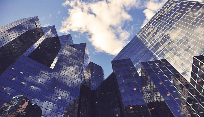 """疫情之下""""抱团取暖""""?瑞银与瑞信两大银行业巨头或正探索合并计划"""