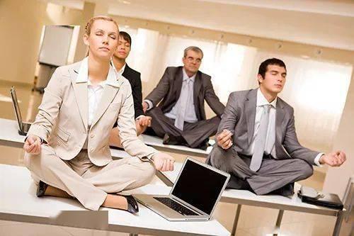 最适合上班族的瑜伽序列,练完还想再练一遍!