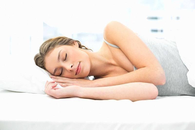 """想减肥效果好,除了""""管住嘴""""和""""迈开腿"""",睡个好觉也同样重要!"""
