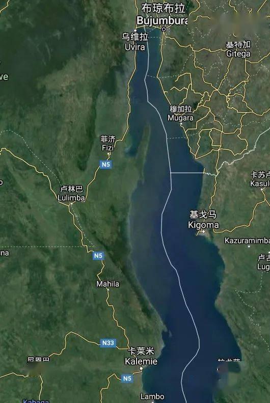 东刚果的游击区地处三国交界,东有大湖,西有高山丛林