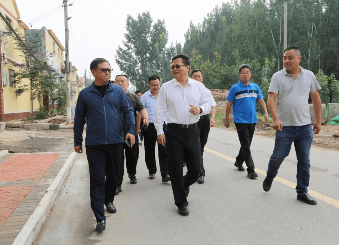 【时政报道】赵居安遍访贫困村并走访慰问贫困户
