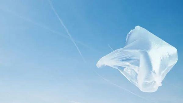上海人注意!商場年底起不再提供塑料袋,付費的也不行!使用塑料餐具也將有限制→
