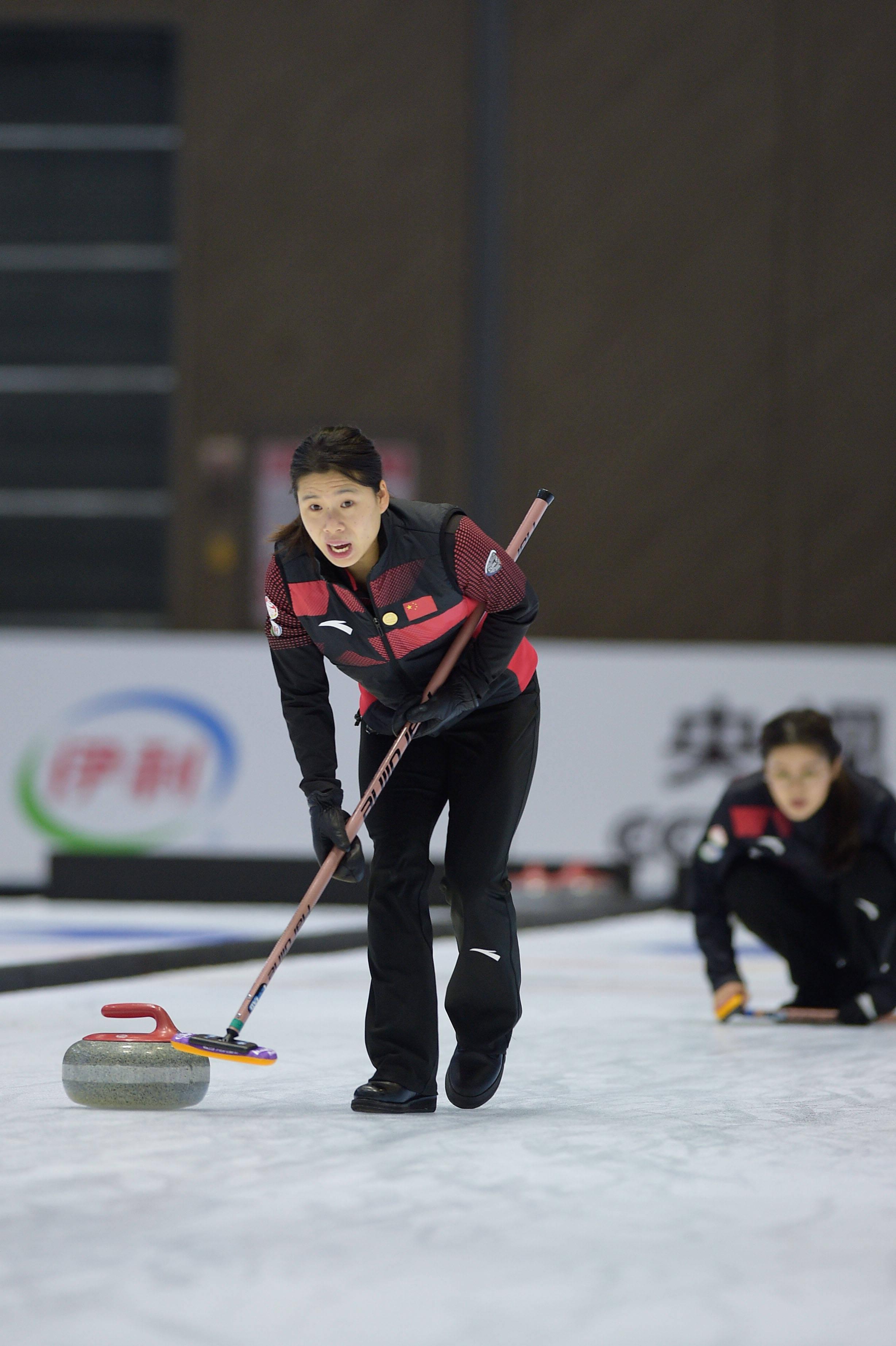 國慶冰雪樂冰壺國家集訓隊隊內對抗賽舉行
