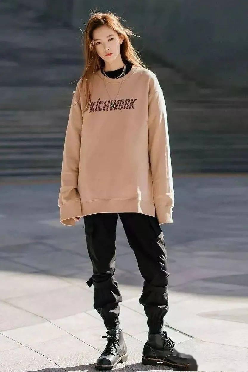 马丁靴+裙子,马丁靴+工装裤……又酷又撩,时髦炸了!     第6张